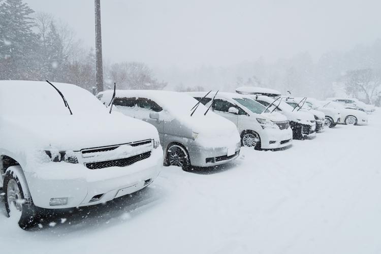 降雪時の駐車イメージ